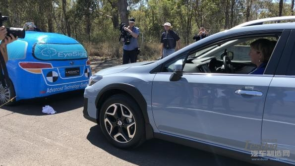 ANCAP Crashlab 汽车碰撞测试