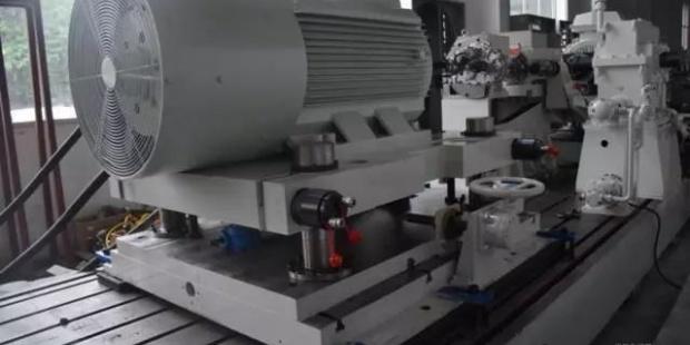 国内首台新能源汽车变速器试验台架研发成功