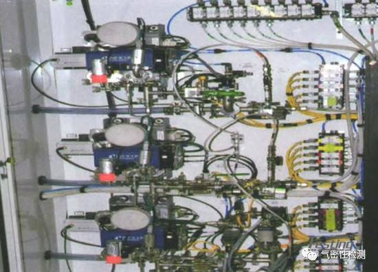 解析汽车变速器氦气检漏技术