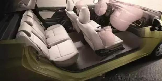 详细解读美国车顶强度翻滚测试