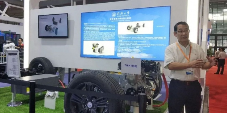 同济智能汽车研究所在研项目在工博会展出