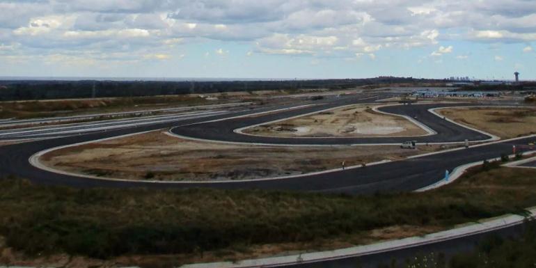IDIADA中国试车场(ICPG)T8干操控路的沥青施工完成