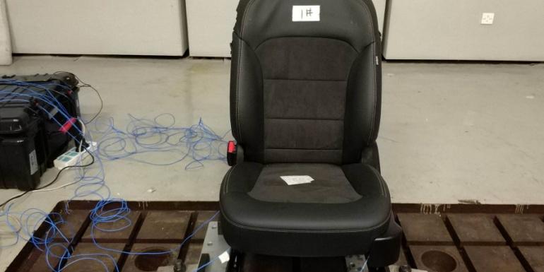 座椅模态测试方法注意事项