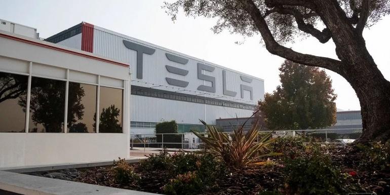 特斯拉指控小鹏汽车工程师,离职前盗取Autopilot30万份机密文件