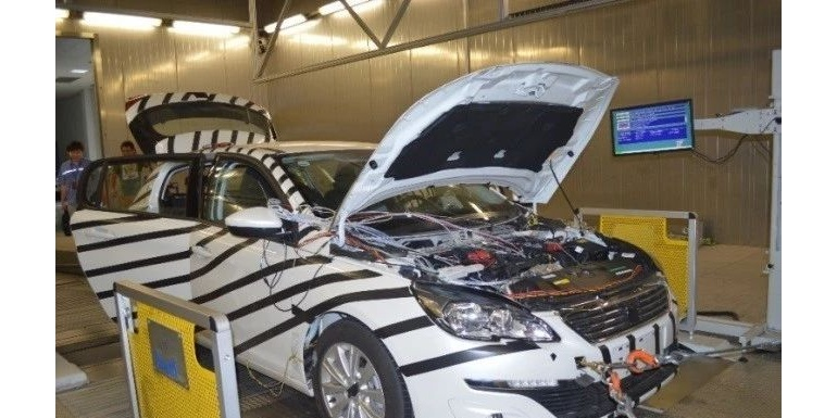 基于数据耦合的混合动力汽车分布式测试平台
