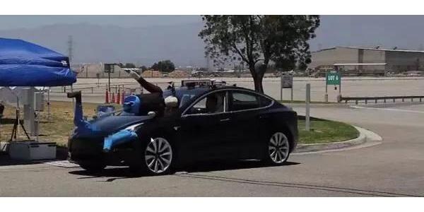 主动刹车测评中特斯拉Model 3屡屡撞翻假人 成绩糟糕