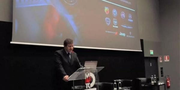 菲克展示了更智能更安全的汽车5G技术