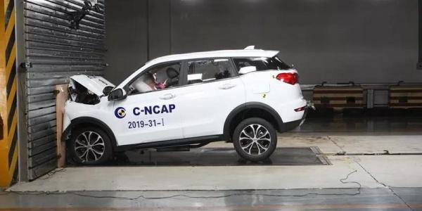 配置单一,车门撞开……野马博骏进行碰撞测试都发生了些什么?